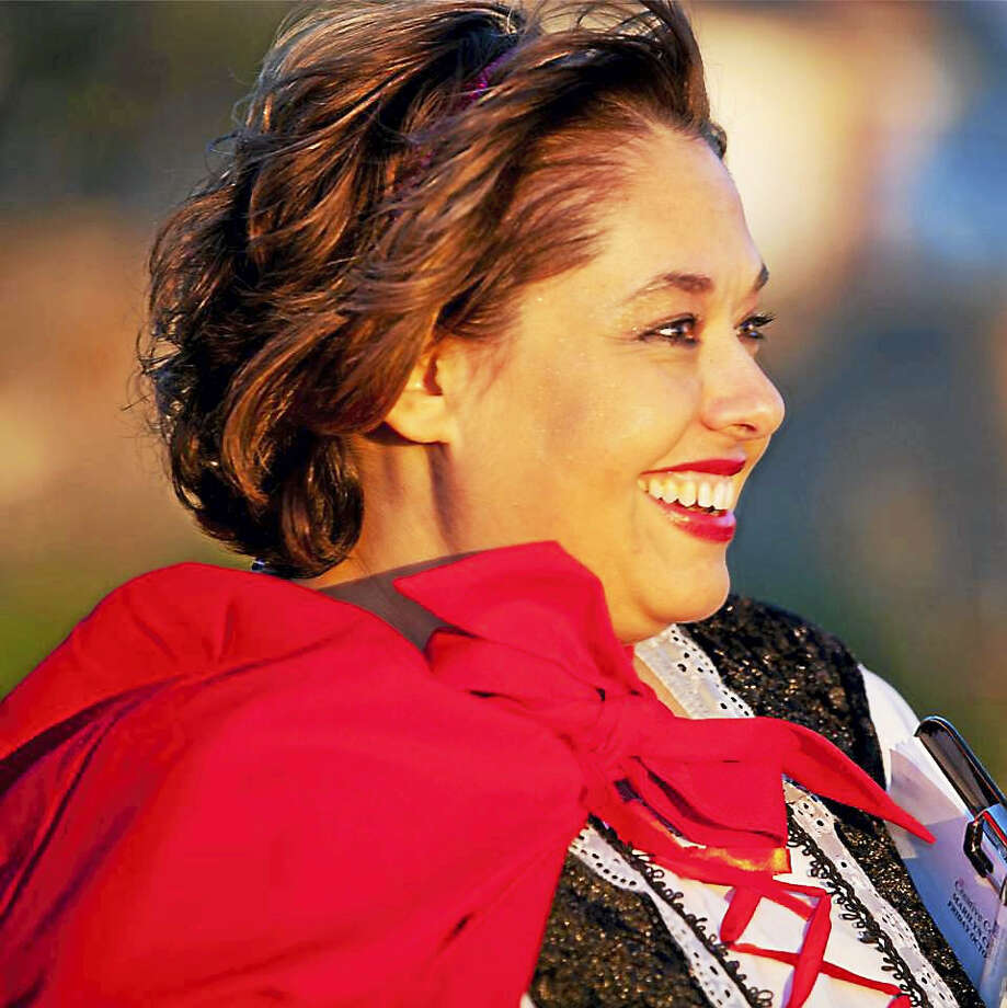 Lisa Antonecchia of Creative Concepts Lisa Photography by Nicholas Photo: Journal Register Co.