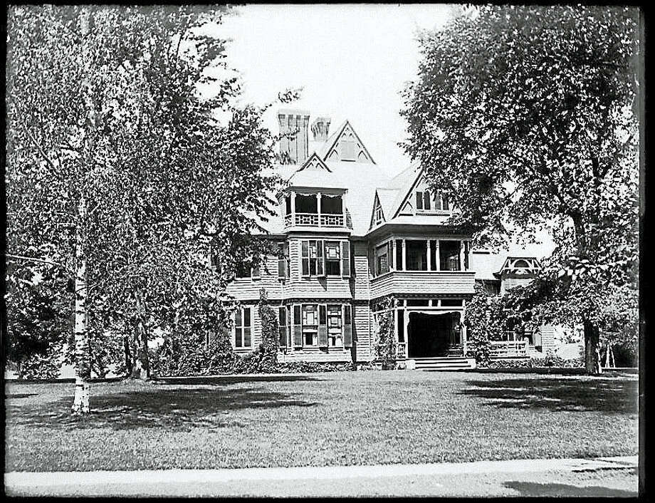 The Gunn Museum's Washington History Club at Night will meet in the Wykeham Room of the Gunn Library on Tuesday, May 17 at 6:30pm (the final meeting of the season). The topic of discussion at will be Washington houses. Every house has a story, who built it, who lived there, what happened to it, does it have a name, and why do we name houses anyway...? Bring your stories to share about the interesting Washington houses and the memorable people who have lived in them over the years!Everyone is invited to attend this free program. The Gunn Library & Museum is located at 5 Wykeham Road in Washington. Call the Gunn Museum at 860-868-7756 or view www.gunnlibrary.org for more information. Photo: Journal Register Co.