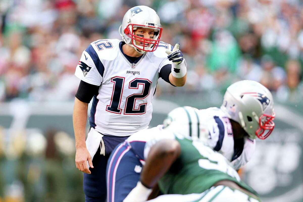 Quarterback Tom Brady and the New England Patriots can clinch the No. 1 seed in the AFC.