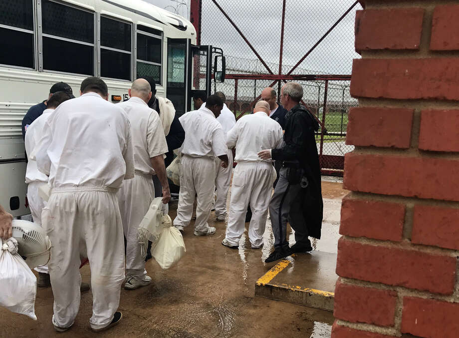 Texas Department of Criminal Justice offenders being transported from Stringfellow Unit in Rosharon, TX due to Hurricane Harvey. Photo: Submitted / TDCJ staff