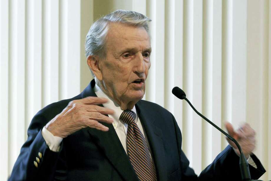 In this photo taken Sept. 18, 2013, Former Arkansas Sen. Dale Bumpers speaks in Little Rock, Ark. Bumpers, a former Arkansas governor and U.S. senator who drew national attention for his defense of Bill Clinton during the president's impeachment trial, has died at the age of 90. Photo: AP Photo/Danny Johnston   / AP