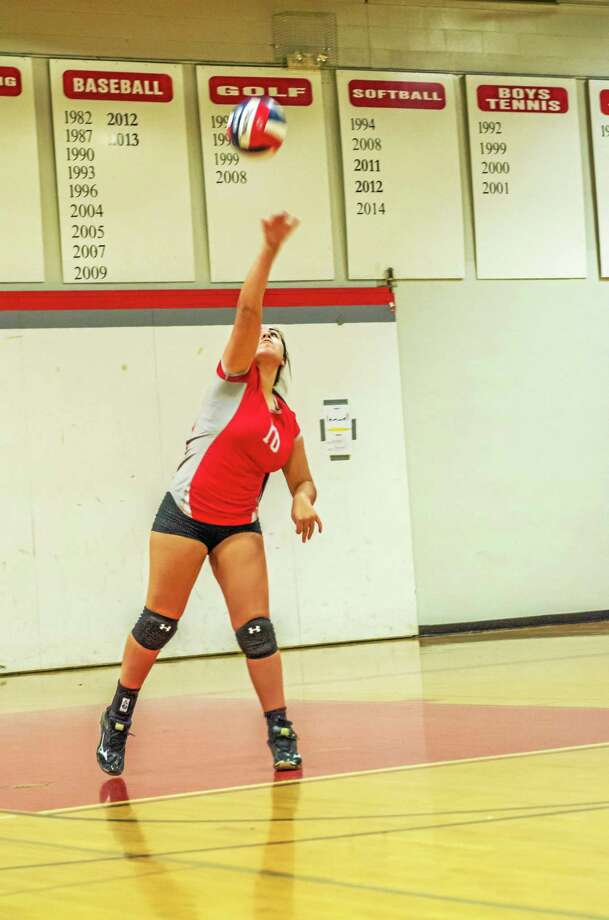Northwestern senior Melissa Uribe was another big force in getting the Highlanders back on track in Wednesday's win over New Fairfield at Northwestern High School. Photo: Savage Frieze — Special To Register Citizen