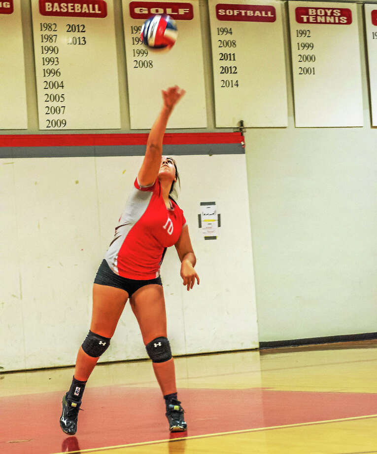 Northwestern senior Melissa Uribe was another big force in getting the Highlanders back on track in Wednesday's win over New Fairfield at Northwestern High School. Photo: Savage Frieze – Special To Register Citizen
