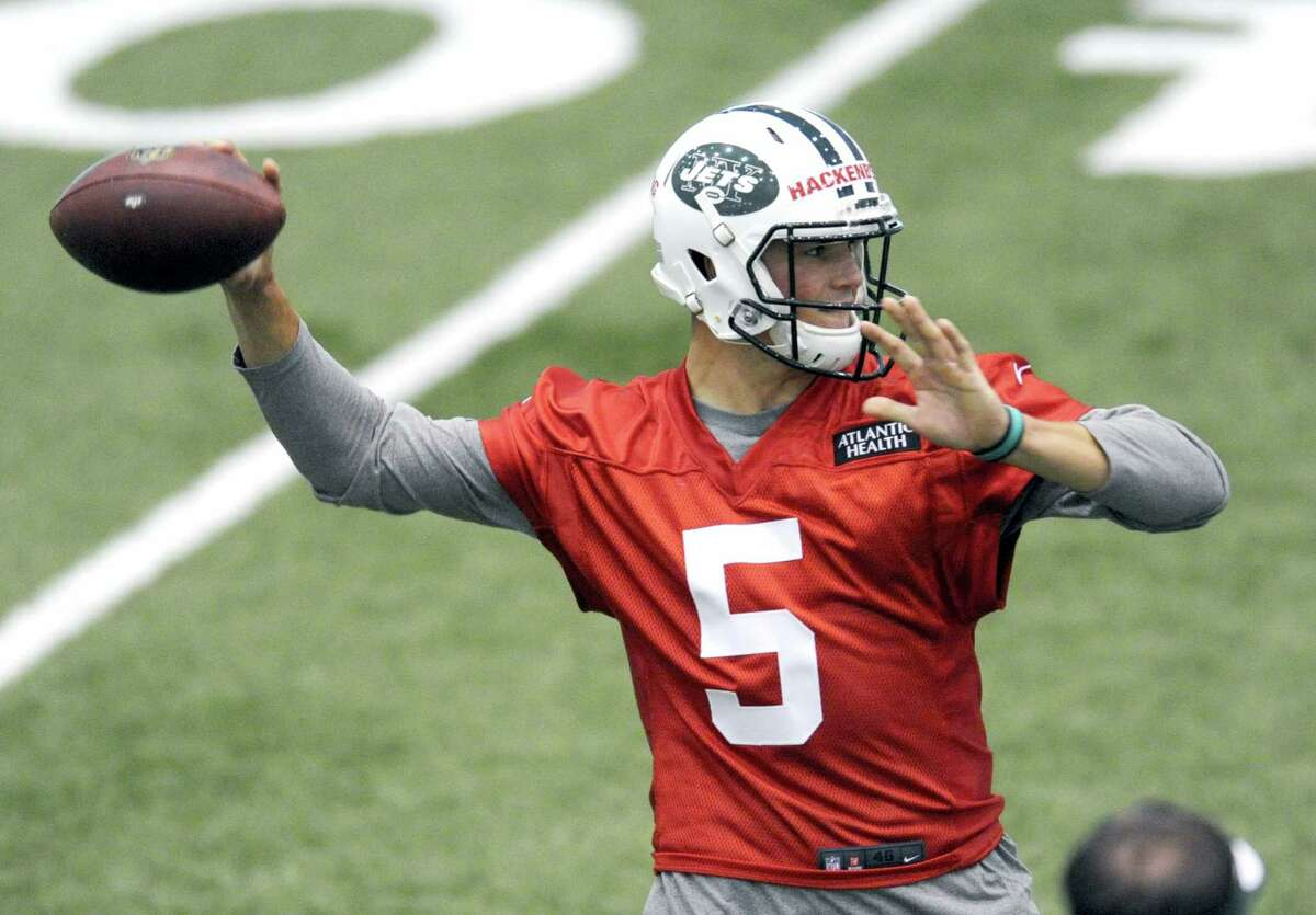 New York Jets second round draft pick Christian Hackenberg throws a pass at their NFL football rookie minicamp Friday, May 6, 2016, in Florham Park, N.J. (AP Photo/Bill Kostroun)