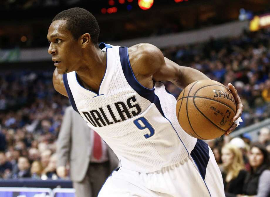 The Dallas Mavericks have suspended guard Rajon Rondo. Photo: Jim Cowsert — The Associated Press  / FR170531 AP