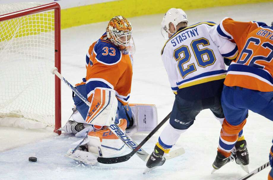 St. Louis Blues forward Paul Stastny (26) is out at least five weeks with a broken right foot. Photo: Jason Franson — The Canadian Press  / The Canadian Press