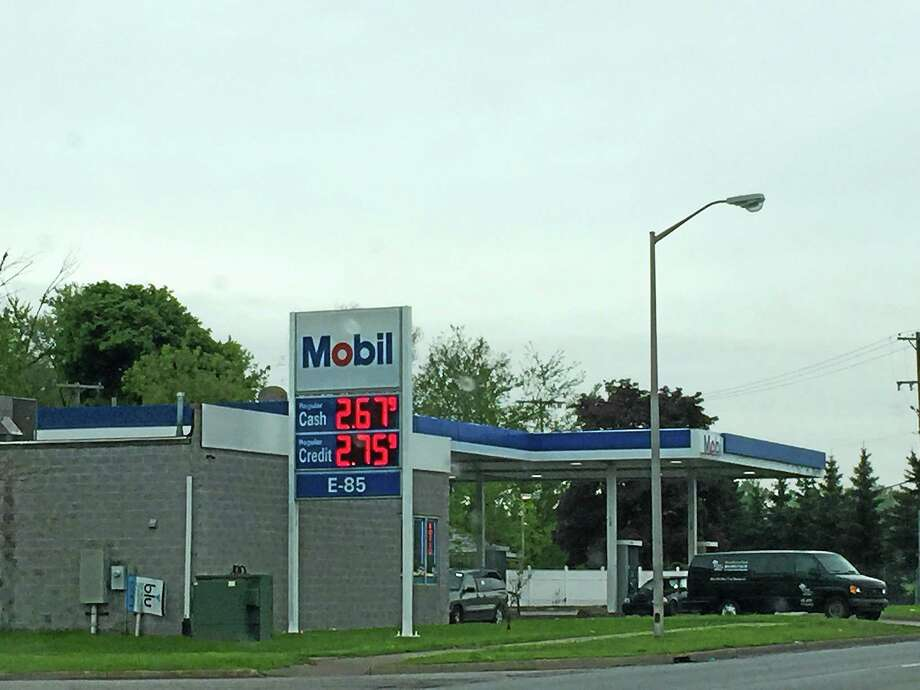 Gas prices are on the rise in Connecticut even as they continue to fall nationwide. That could affect travel for Connecticut residents headed out of state for summer holidays. Photo: File Photo.