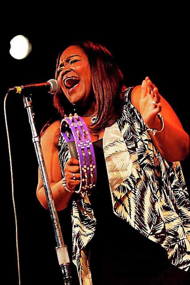 Photo by Joseph Rosen Shemekia Copeland performs at Bridge Street Live in Collinsville on Saturday, Oct. 24. Photo: Journal Register Co. / Joseph A. Rosen PHOTOGRAPHER 326 W. 22nd St. #3R New York, NY 10011 off: 212-691-0607 cel: 917-549-8218 jarosenphoto@gmail