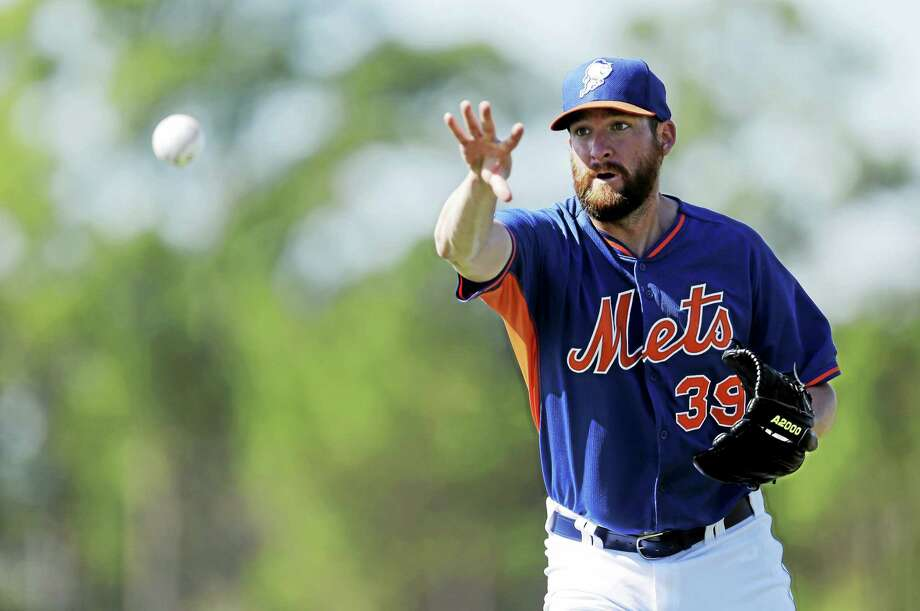 New York Mets reliever Bobby Parnell expects to regain his role as closer in 2015. Photo: Jeff Roberson — The Associated Press File Photo  / AP