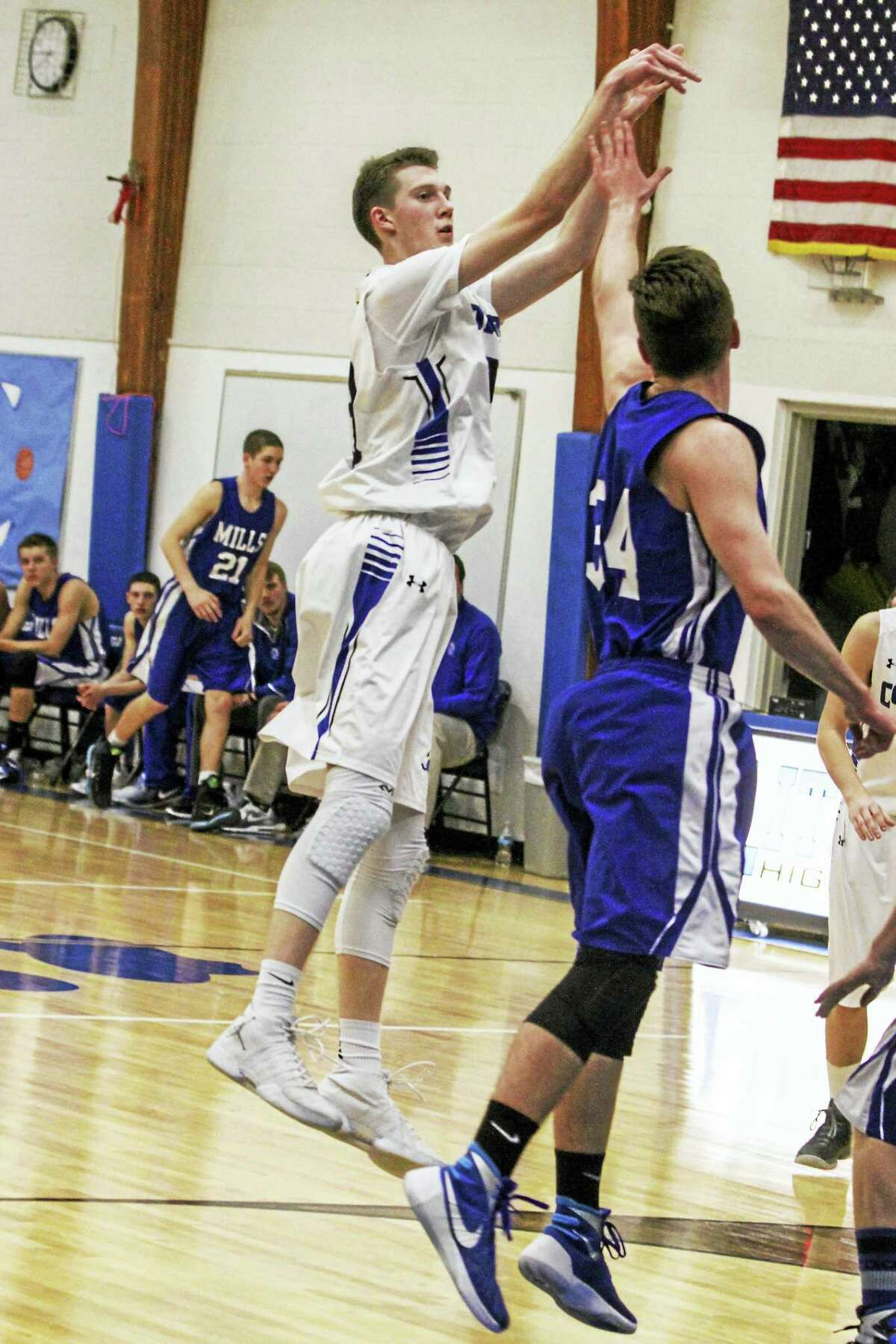 Litchfield's Ryan O'Neill scored a game-high 17 points on Wednesday.
