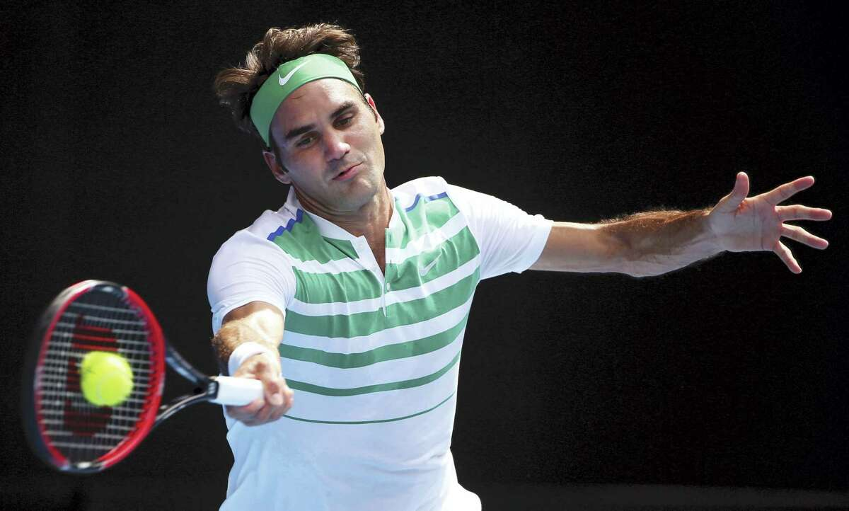 Roger Federer will look to turn around frustrating season at Wimbledon.