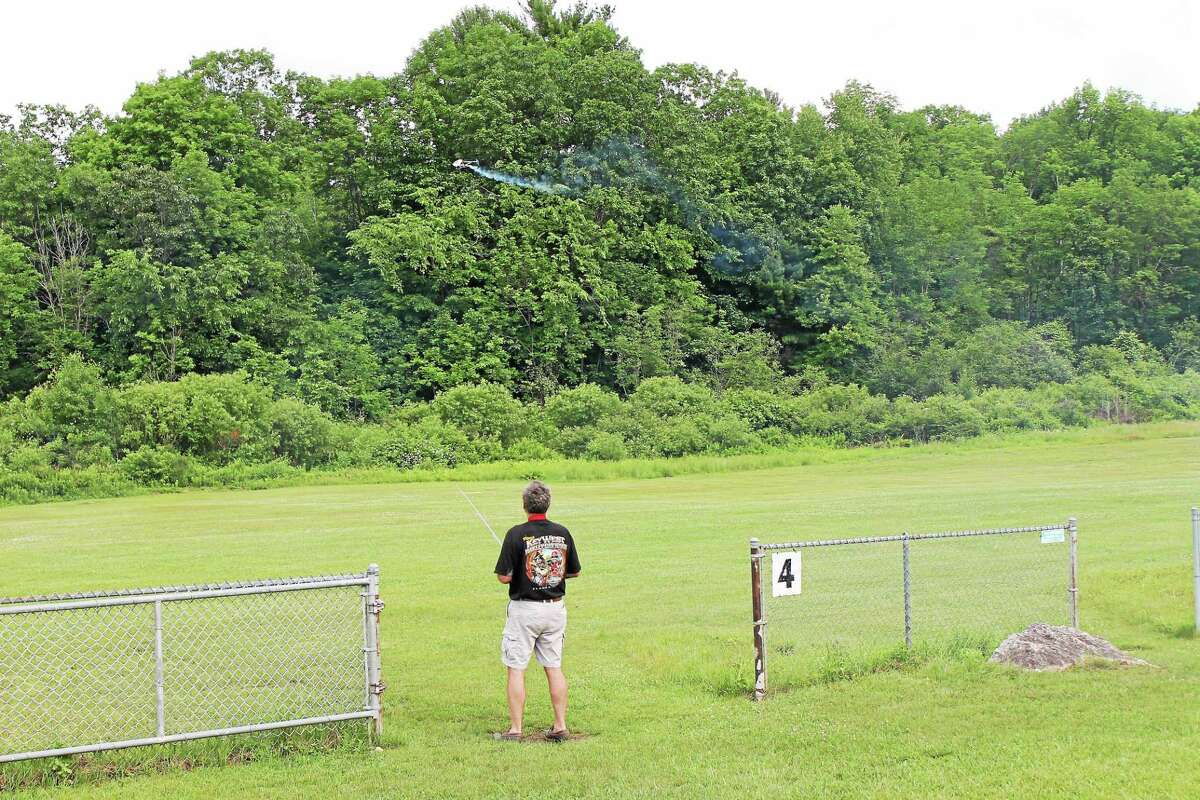 JOHN NESTOR PHOTO The Nutmeg RC Flyers held a ìBuddy Boxî event at the Leadmine Brook section of the Thomaston Dam Saturday to introduce people to radio-controlled flying.