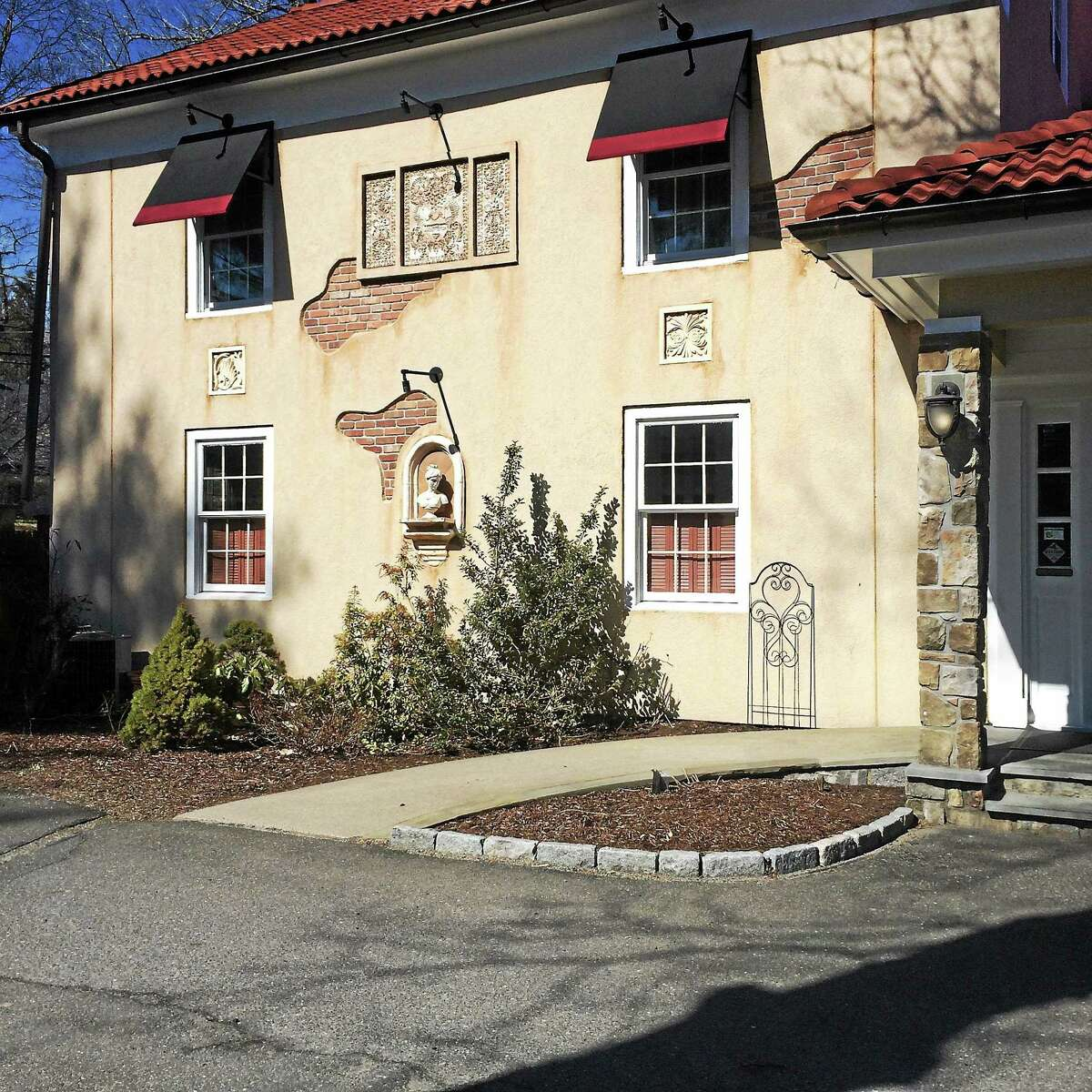 1 Twenty Two Restaurant is located in a rustic building at 122 Litchfield Road in New Milford.