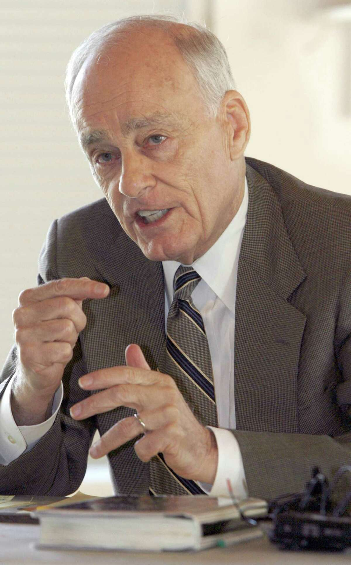 File-This Sept. 18, 2008, file photo shows Vincent Bugliosi speaking at a news conference in Burlington, Vt. The prosecutor in the Charles Manson trial who went on to write the best-selling true-crime book, ìHelter Skelter,î has died. Bugliosi was 80 years old. His son Vincent Bugliosi Jr. tells the Associated Press Monday, June 8, 2015, that Bugliosi died of cancer Saturday at a hospital in Los Angeles. (AP Photo/Toby Talbot, File)