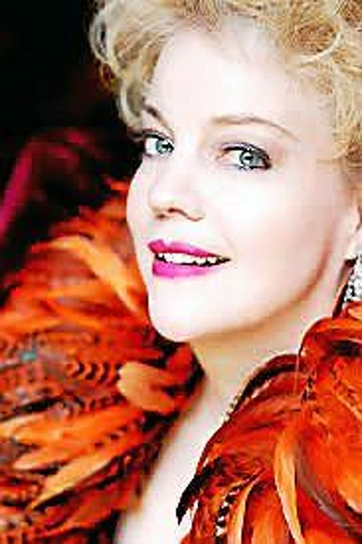 www.theaterpizzazz.com KT Sullivan performs at the Warner Thgeatre June 26 in a gala show to benefit Greenwoods Counseling Referrals.