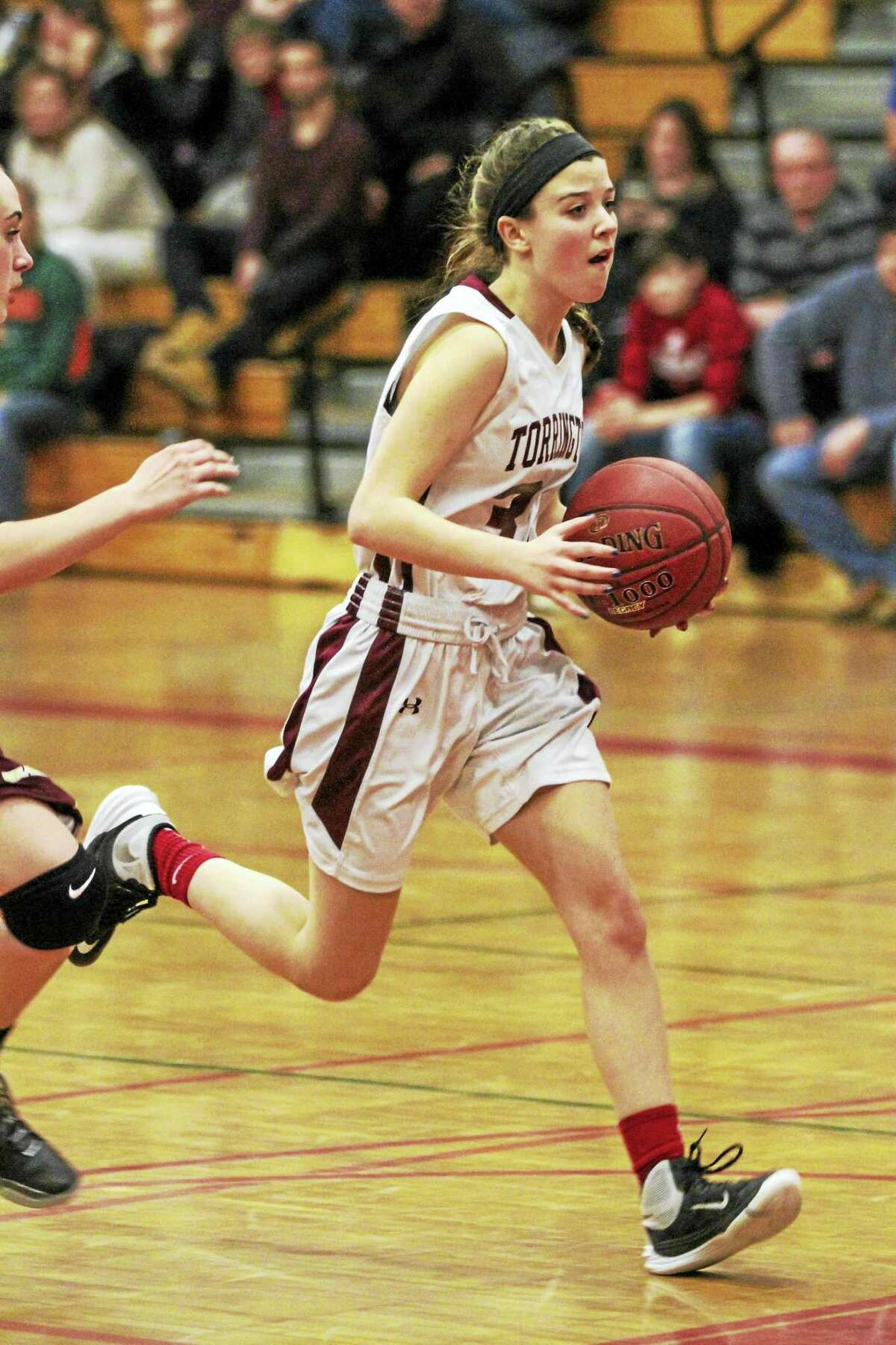 Photo by Marianne Killackey Lindsey Mathieu'sscored 13 points against Sacred Heart on Saturday.