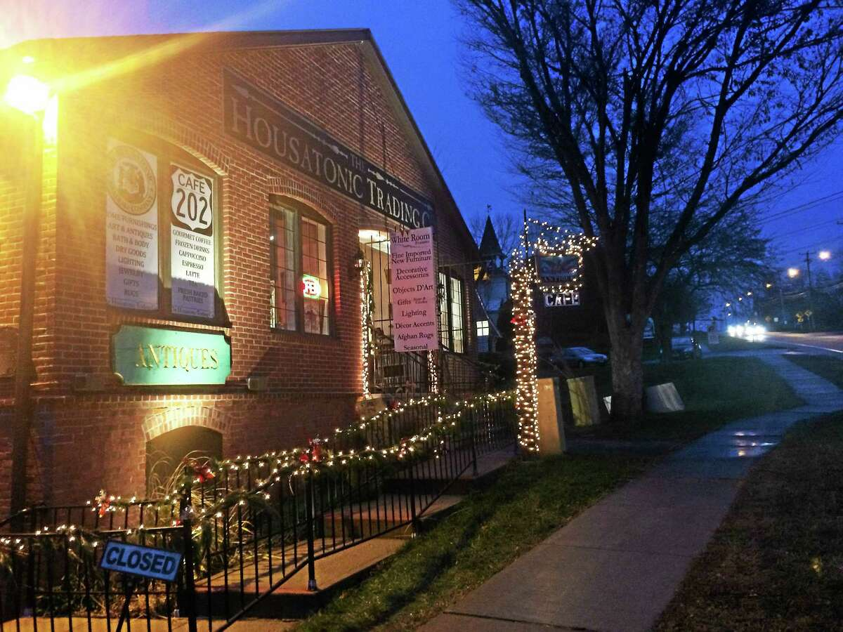 Housatonic Trading Co. is beautifully lit for the holidays. (Photo by Daniela Forte)