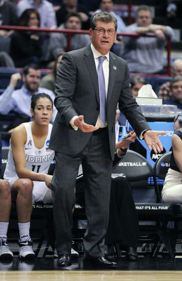 UConn head coach Geno Auriemma won his 100th NCAA tournament game on Saturday. Photo: Tim Roske — The Associated Press  / FRE61503 AP