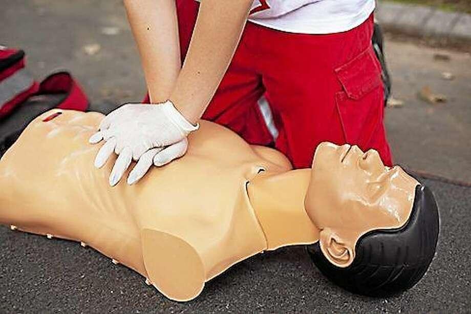 CPR training Photo: SHUTTERSTOCK