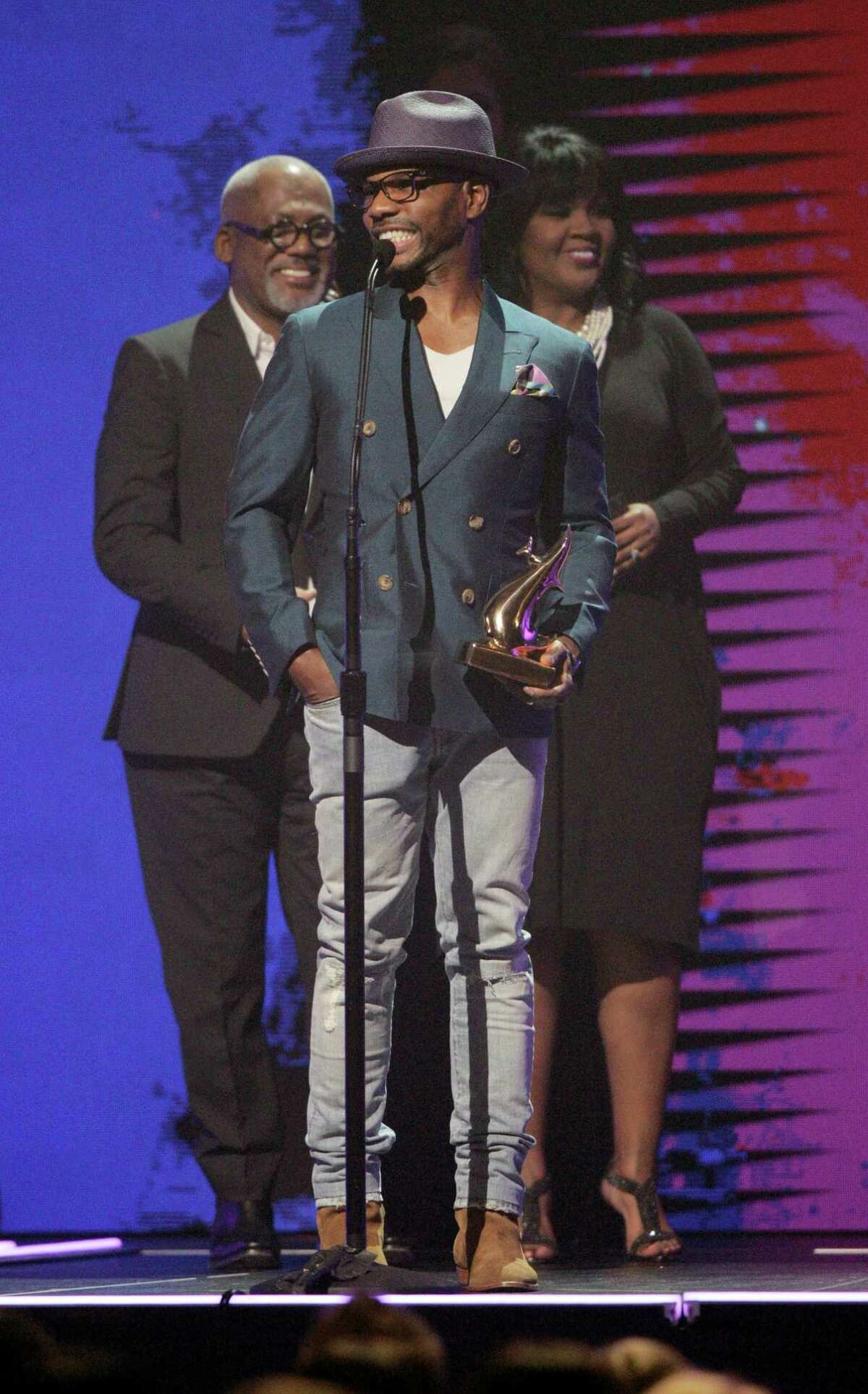 Kirk Franklin accepts the award for Gospel Artist of the Year at the 47th Annual GMA Dove Awards at Lipscomb University on Oct. 11, 2016 in Nashville, Tenn.