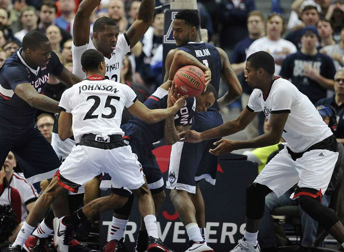 UConn will take on Tulsa in the semifinals of the AAC tournament on Saturday.