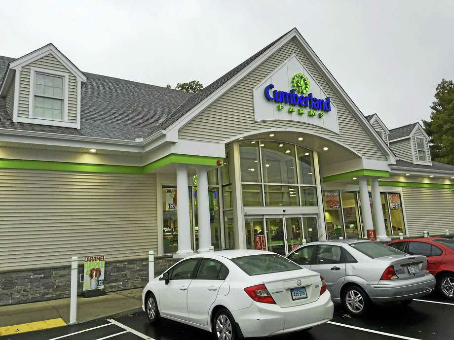 A new Cumberland Farms opened up on East Main Street this past Thursday, replacing the previous location on the road. Photo: Ben Lambert — The Register Citizen