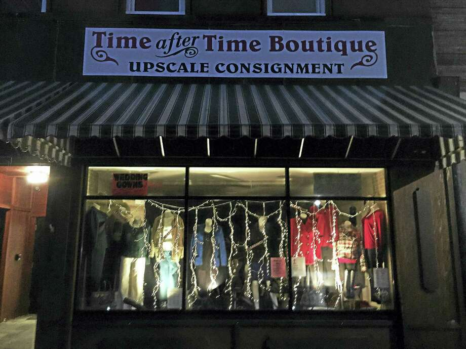 Ben Lambert — The Register Citizen Police are seeking a suspect who allegedly robbed the Time After Time Boutique, located at 410 Main Street, on Tuesday. Photo: Digital First Media