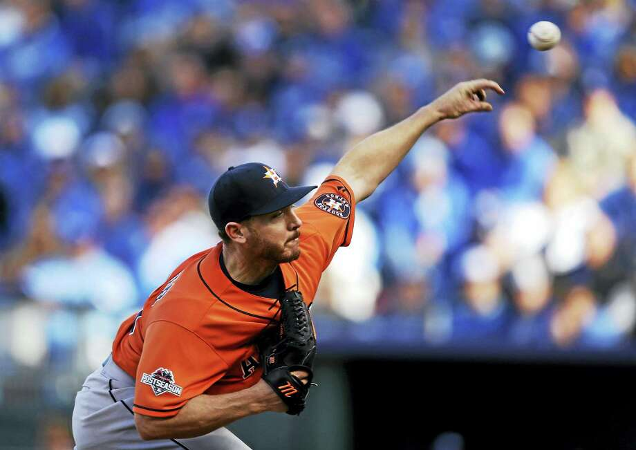 The Dodgers signed free agent starter Scott Kazmir. Photo: Orlin Wagner — The Associated Press  / AP
