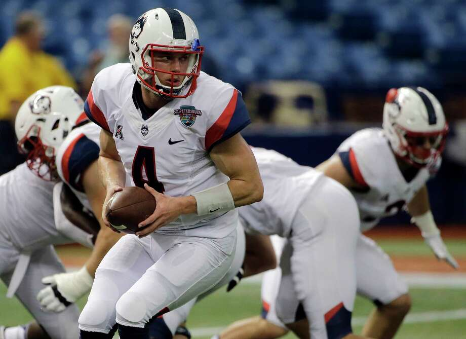 UConn quarterback Bryant Shirreffs. Photo: Chris O'Meara — The Associated Press  / AP