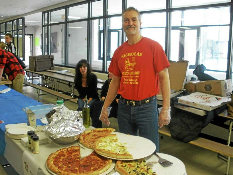 Stephen Underwood photo Ninoos Yousefzadeh and his Nicholas Pizza came in first place in the contest. Photo: Journal Register Co.