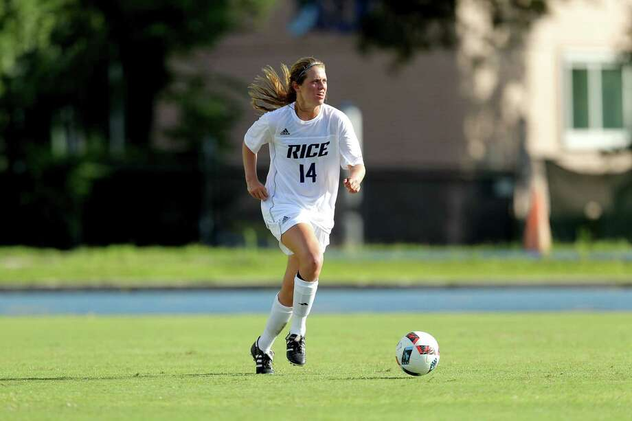 Rice sophomore and Kinkaid graduate Louise Stephens scored her first collegiate goal Aug. 21 during a 4-0 victory against Texas A&Corpus Christi. Stephens started at defender during both the Owls' first two matches. Photo: Rice University Athletics Media Relations / (C) Erik Williams - All Rights Reserved