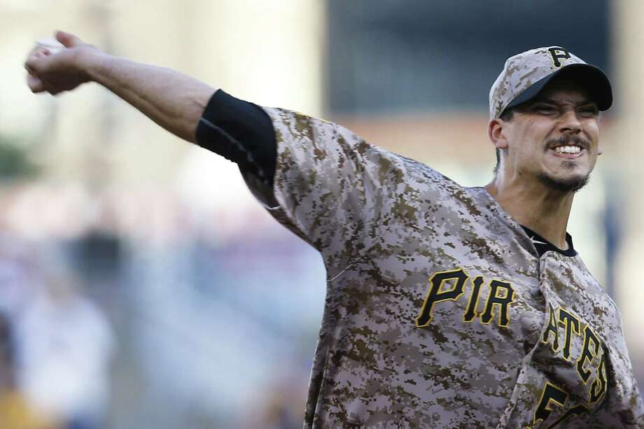 Charlie Morton and the Pirates move up the No. 3 spot in David Borges' weekly MLB rankings. Photo: The Associated Press File Photo  / AP