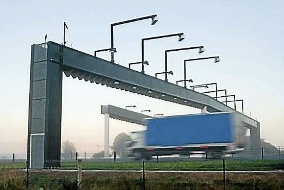 Toll gantry Photo: View Factor Images/Shutterstock