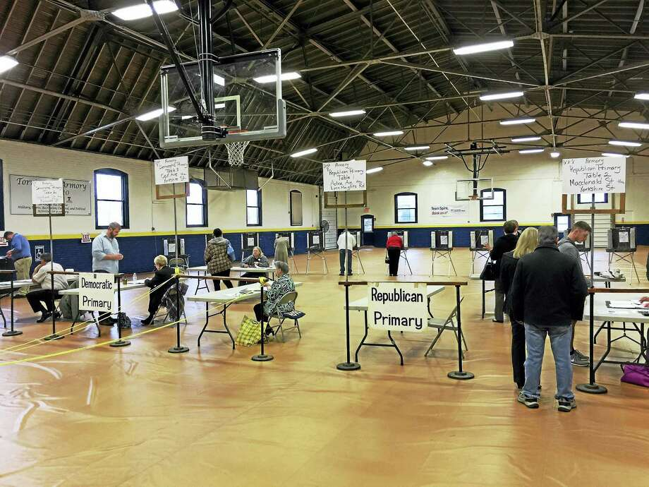 Torrington residents cast their ballots in the 2016 Connecticut presidential primary Tuesday. Photo: BEN LAMBERT — The Register Citizen