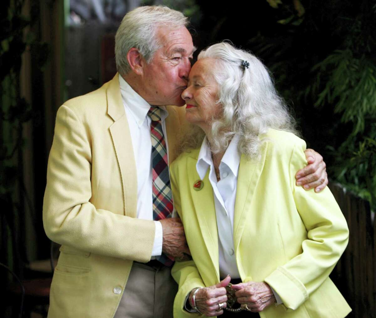 """In this June 21, 2006, file photo, Actors Jack Larson, left, and Noel Neil, who originated the roles of Jimmy Olson and Lois Lane in the 1950s """"Superman"""" television series, pose at Patrick's Roadhouse in the Pacific Palisades area of Los Angeles. The actress who was the first to play Superman's love interest, Lois Lane, on screen has died. Neill was 95. Neill's biographer Larry Ward tells The Associated Press that she died Sunday, July 3, 2016, at her home in Tucson, Ariz., following a long illness."""