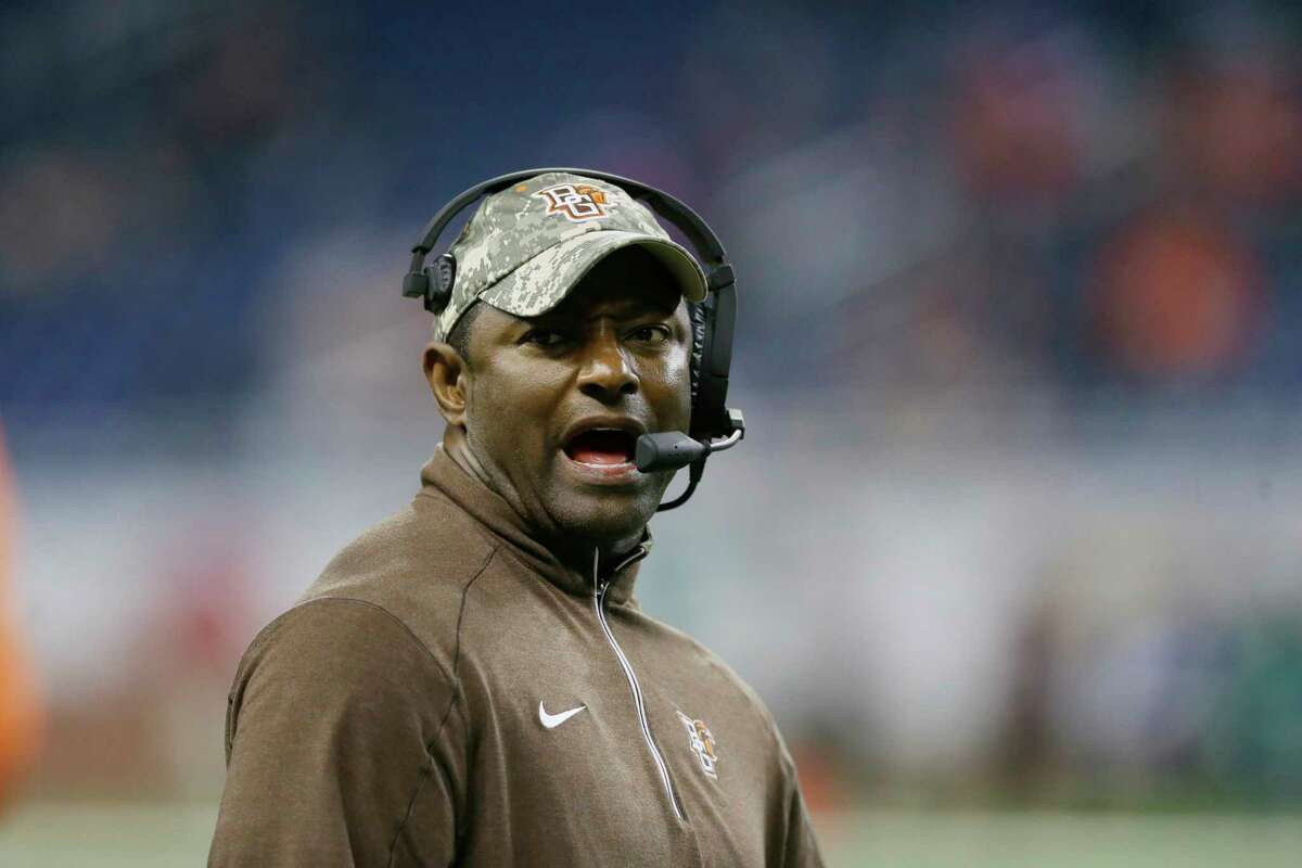 Syracuse has hired Dino Babers to be its new football coach.