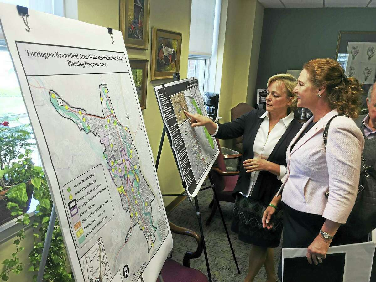 Congresswoman Elizabeth Esty met with Mayor Elinor Carbone and other city and state officials Monday to discuss brownfield and economic development in Torrington. Photo/Ben Lambert