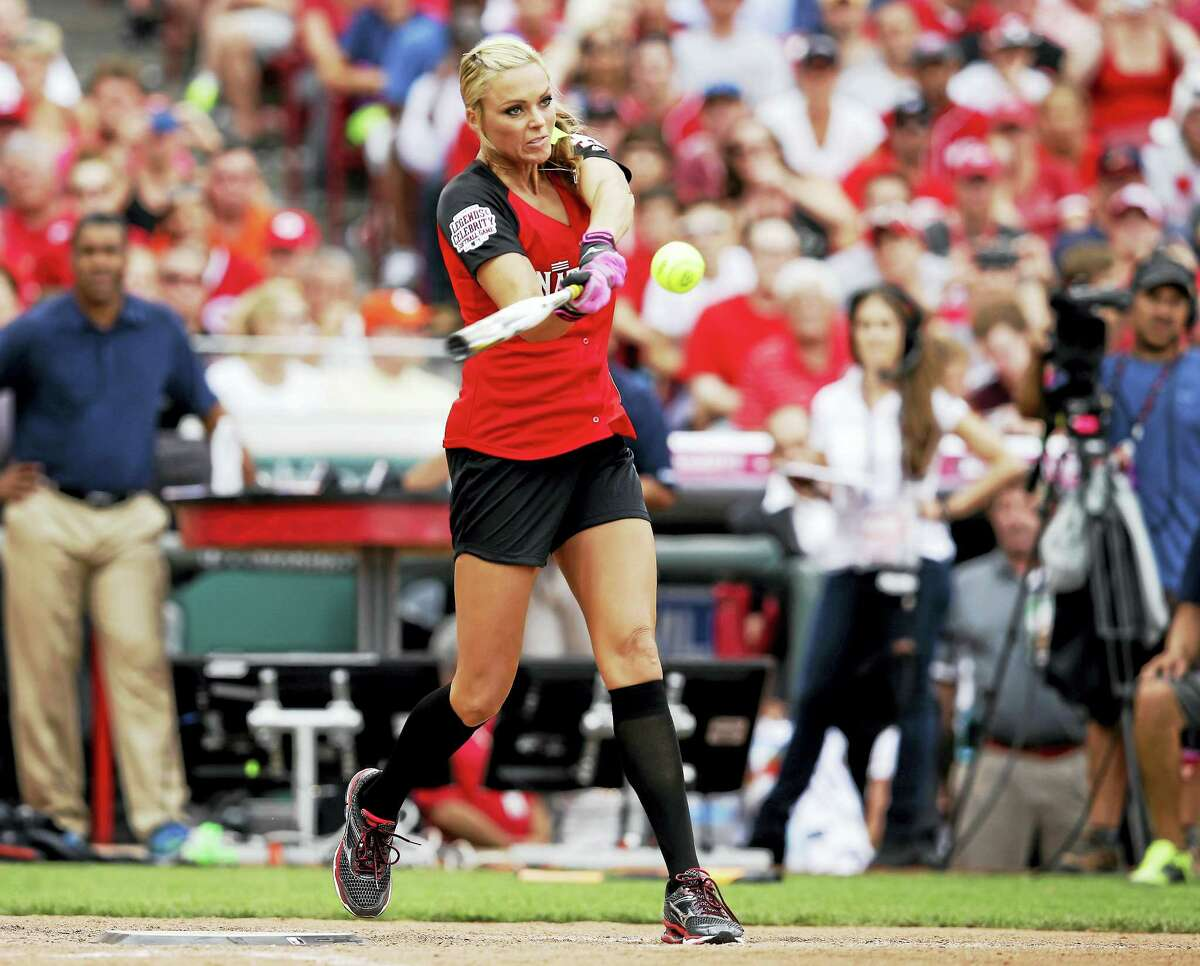 Jennie Finch will be a guest manager for the Bridgeport Bluefish on May 29.