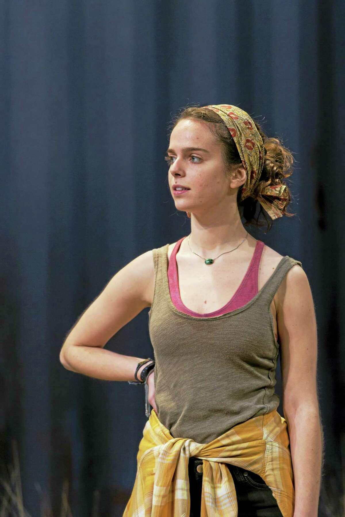Arielle Goldman as Marnie.