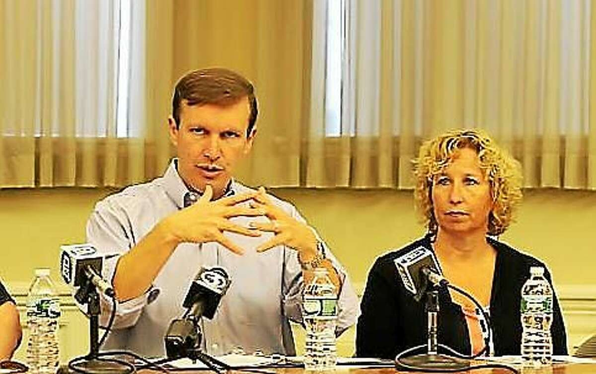 U.S. Sen. Chris Murphy and Mary Kate Mason of the Department of Mental Health and Addiction Services,
