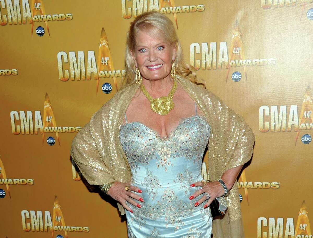 """In this Nov. 10, 2010, file photo, Lynn Anderson attends the 44th Annual Country Music Awards in Nashville, Tenn. Anderson, whose strong, husky voice carried her to the top of the country and pop charts with """"(I Never Promised You a) Rose Garden,"""" died Thursday at Vanderbilt Medical Center in Nashville, Tenn. She was 67."""