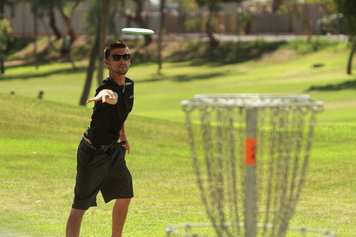 Disc Golf Association, Conrad Meyer Photography- The Associated Press This Feb. 26, 2015 photo provided by courtesy of Conrad Meyer Photography and Disc Golf Association shows a professional disc golfer Cameron Lincoln lines up a putt during the final round of the 2015 Memorial tournament at Fiesta Lakes disc-golf course in Fountain Hills, Ariz.