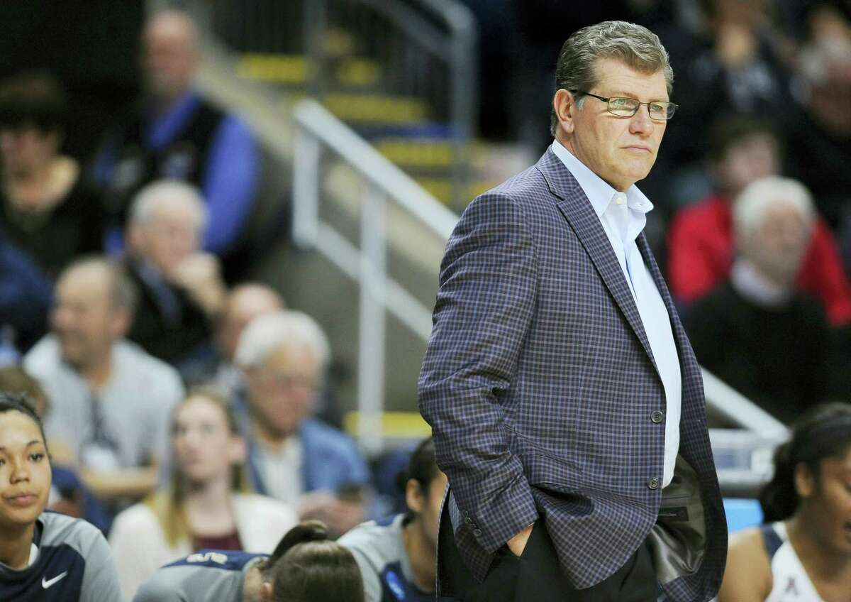 Coach Geno Auriemma and UConn are trying to become the first Division I women's basketball team to win four straight national titles.