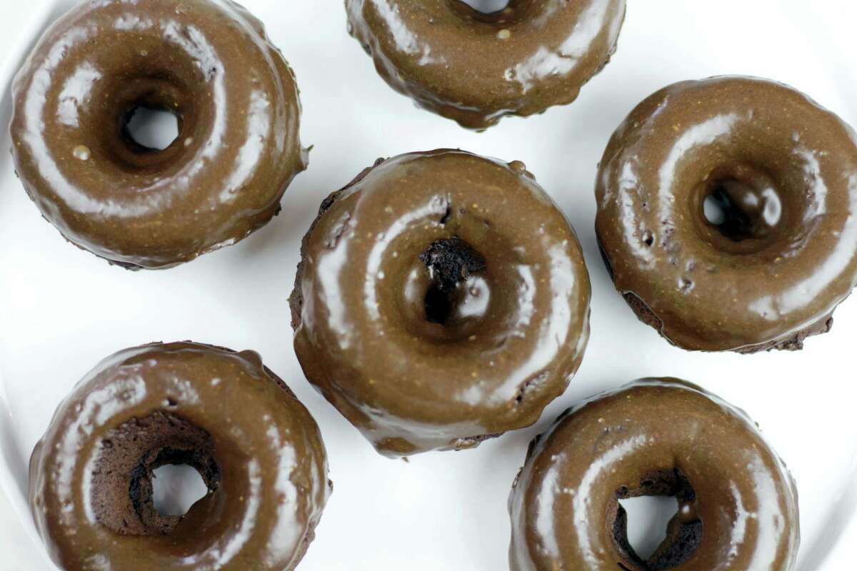 Chocolate peanut butter baked doughnuts.