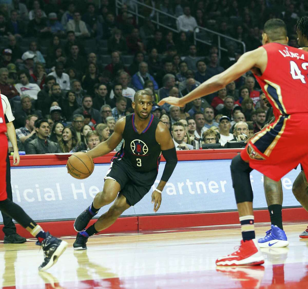Los Angeles Clippers guard Chris Paul (#3) in actions during an NBA basketball game between Los Angeles Clippers and New Orleans Pelicans on Dec. 10, 2016 in Los Angeles.