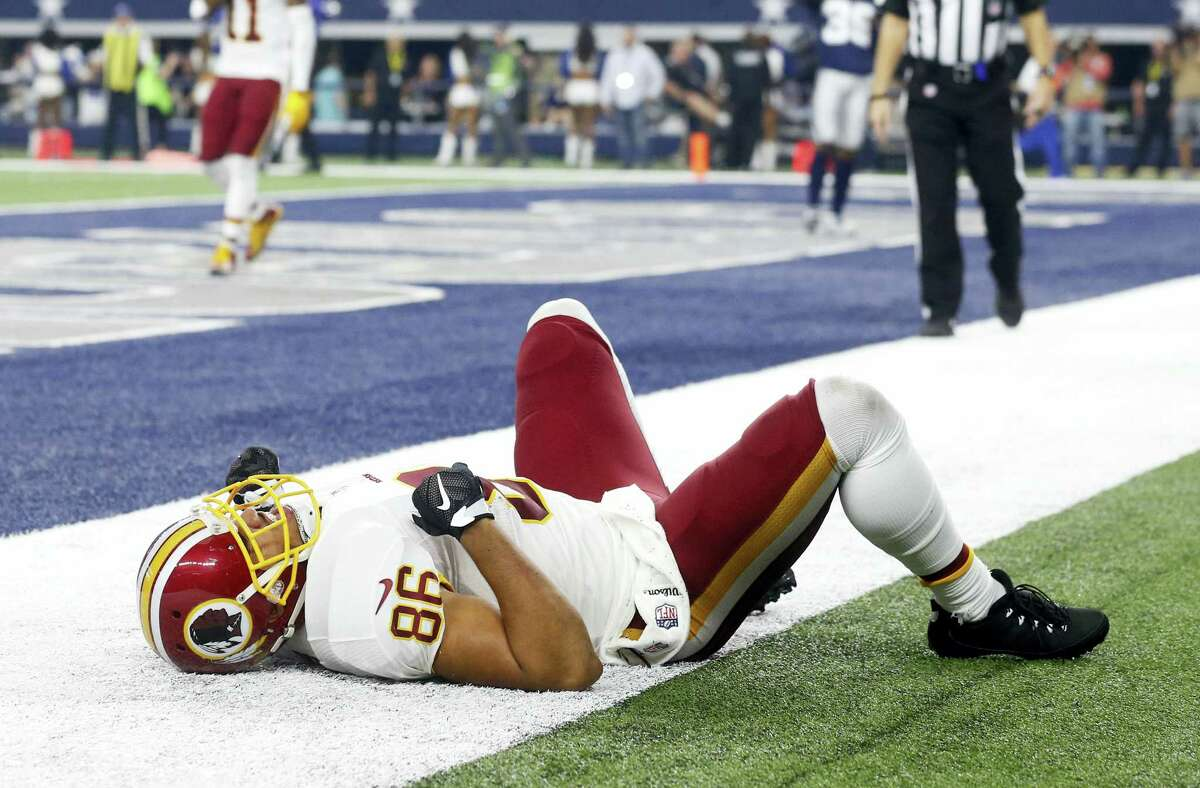 Redskins tight end Jordan Reed will miss this week's game against the Cardinals with a shoulder injury.