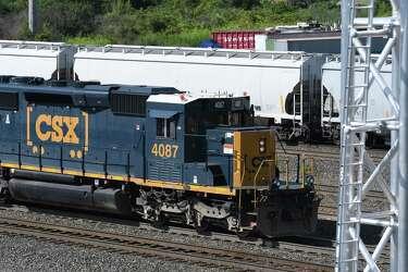 CSX seeking bids on some Capital Region rail lines - Times Union