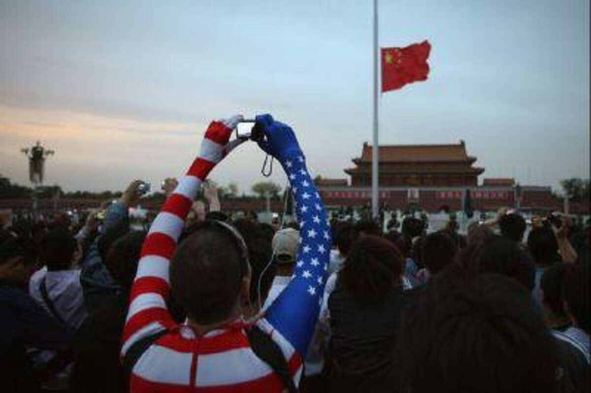 Chinese netizens aren't convinced that all Americans are crooks.