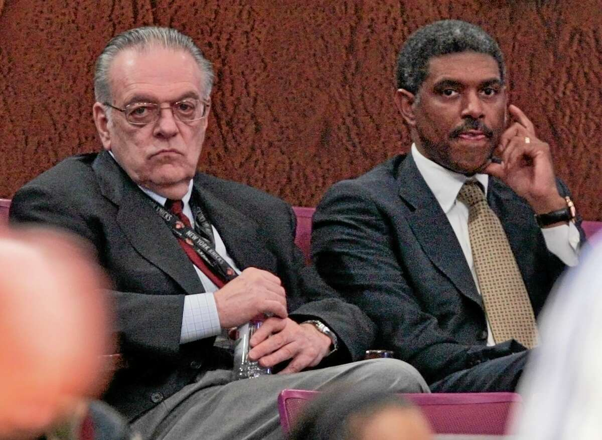 MSG sports president Steve Mills, right, is returning to the New York Knicks as president and general manager, replacing Glen Grunwald in a front-office shake-up just days before the start of training camp, the team announced Thursday. Mills left MSG in 2009 after the arrival of Donnie Walsh, left, as Knicks president.