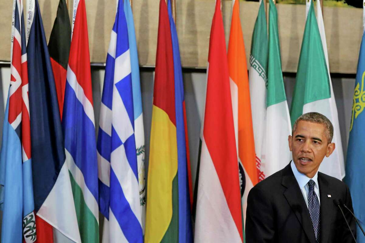 U.S. President Barack Obama speaks during a luncheon hosted by United Nations Secretary-General Ban Ki-moon in honor of Heads of State and Government, Tuesday, Sept. 24, 2013 at United Nations headquarters. (AP Photo/Mary Altaffer)